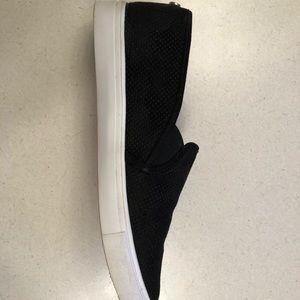 Steve Madden black flat loafers